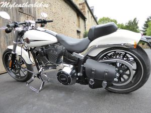 Sacoche Harley Softail SO05 Myleatherbikes (1)_compressed